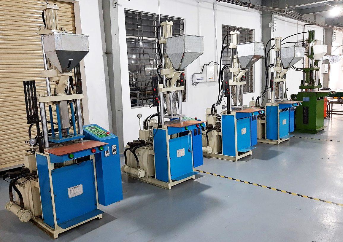 máy làm các sản phẩm nhựa và gia công nhựa theo yêu cầu
